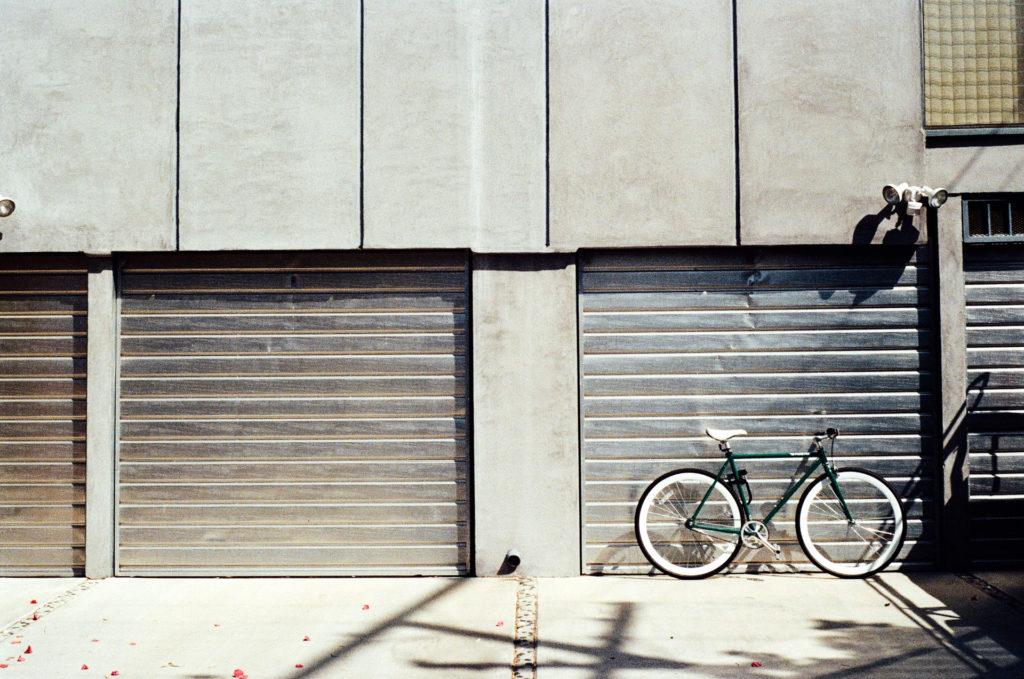 garagedoor-bg